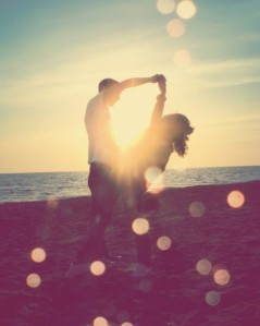 couple,hug,iloveyou,lights,love,vintage-10e989ab372abf3defe697fb570c18ac_h